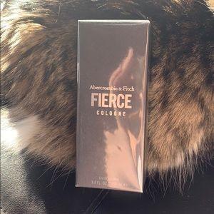 NWT Abercrombie Fierce - Size 3.4